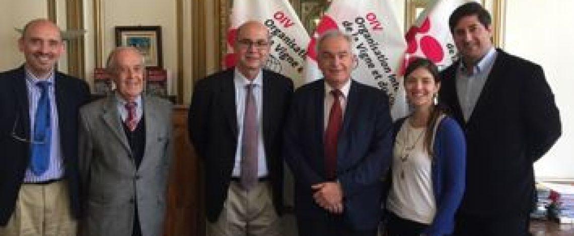 El subdirector de Odepa, Teodoro Rivas, sostuvo una reunión con el director general de la Organización Internacional de la Viña y el Vino (OIV)