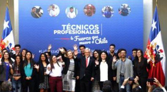 Presidente Piñera firma proyecto que aumenta la gratuidad para alumnos de IP y CFT