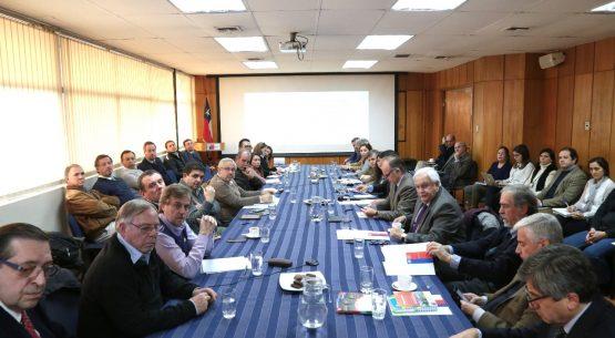 """Ministro Walker en Comisión nacional de la carne:""""Hay mucho potencial para mejorar las exportaciones"""""""