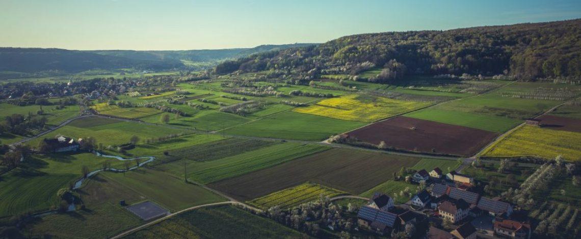 Propuesta metodológica para la construcción de una tipología de territorios rurales en Chile. Informe final.