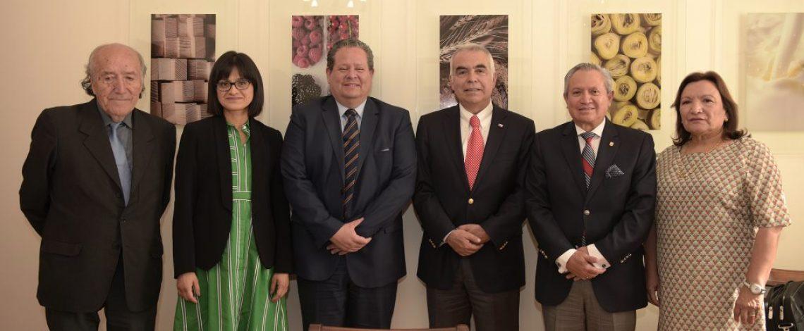 Subsecretario Vargas recibe a Embajador de Ecuador en Chile por proyecto de Inocuidad Alimentaria
