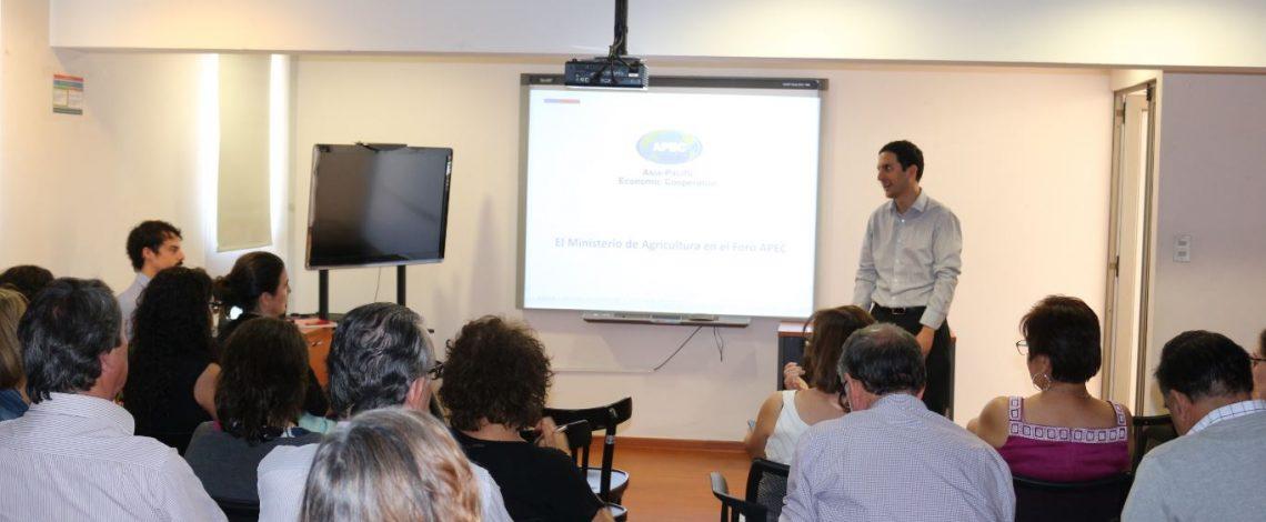Se realizó una nueva reunión del Ciclo de Seminarios, cuyo tema fue APEC Chile 2019