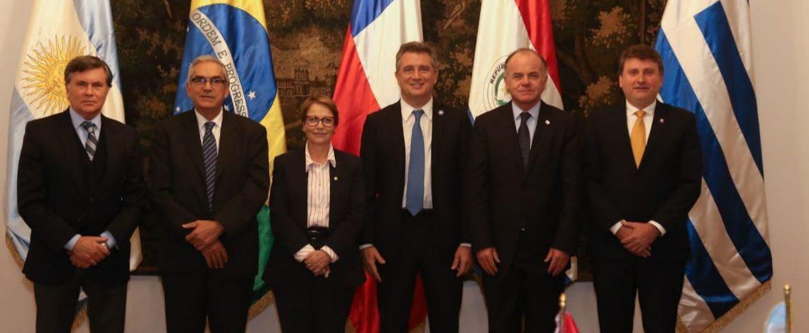 """Ministro Antonio Walker asume la presidencia del Consejo Agropecuario del Sur: """"Hemos dado un gran paso hacia la asociatividad entre países"""""""