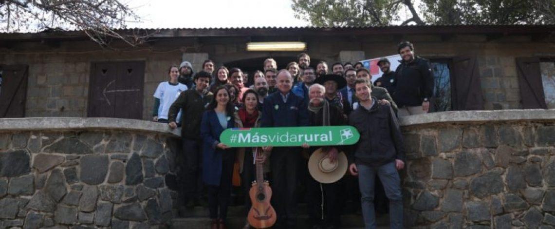 Diez instituciones se comprometen con el Ministerio de Agricultura y Odepa a impulsar el desarrollo rural de Chile