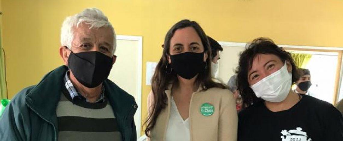 """En la """"Feria Grande"""" de Puente Alto se realizó proyecto para recuperar desechos de alimentos aptos para el consumo"""